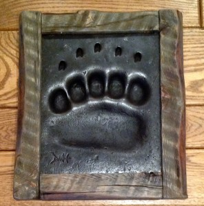 Grizzly track with Barnwood frame